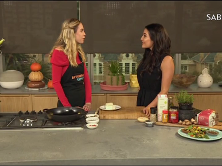 HSI-Africa cooks a delicious #GreenMondaySA recipe on the Afternoon Express Show